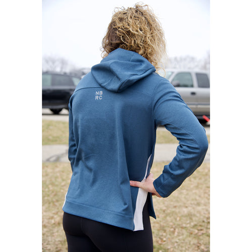 Women's Gazelle Girl Script Q Speed Run Crew Sweatshirt - Stone Blue Heater