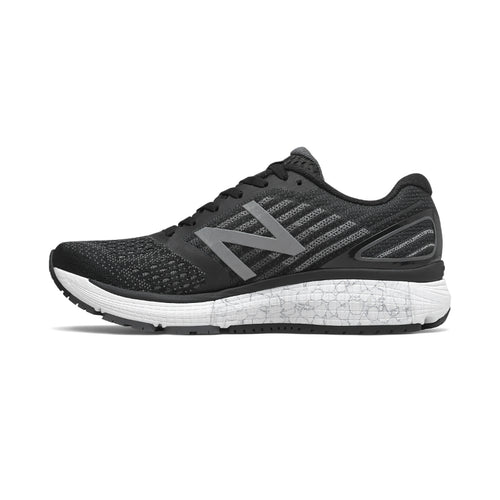 Women's 860v9 Running Shoe - Black/Magnet