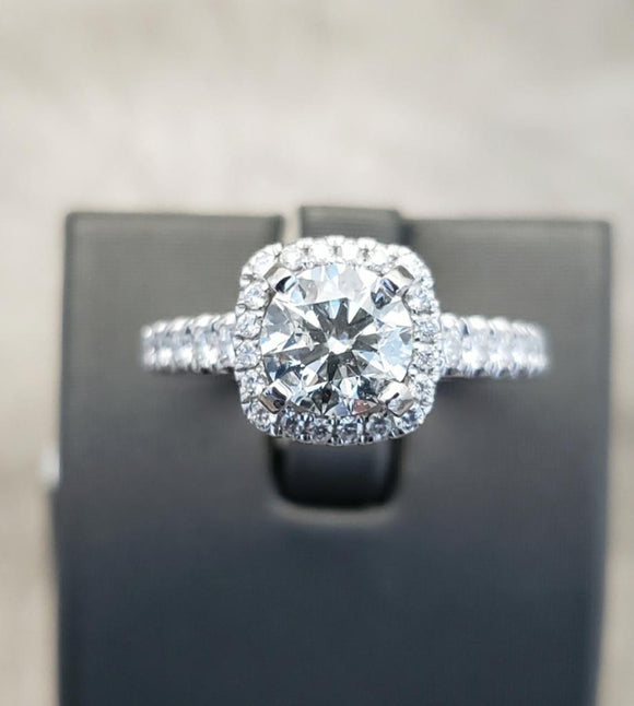 1.87 ctw Vintage Design Diamond Engagement Ring 18K Gold