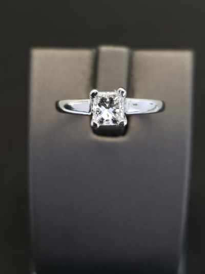 0.78 ct Diamond Solitaire Engagement Ring Platinum