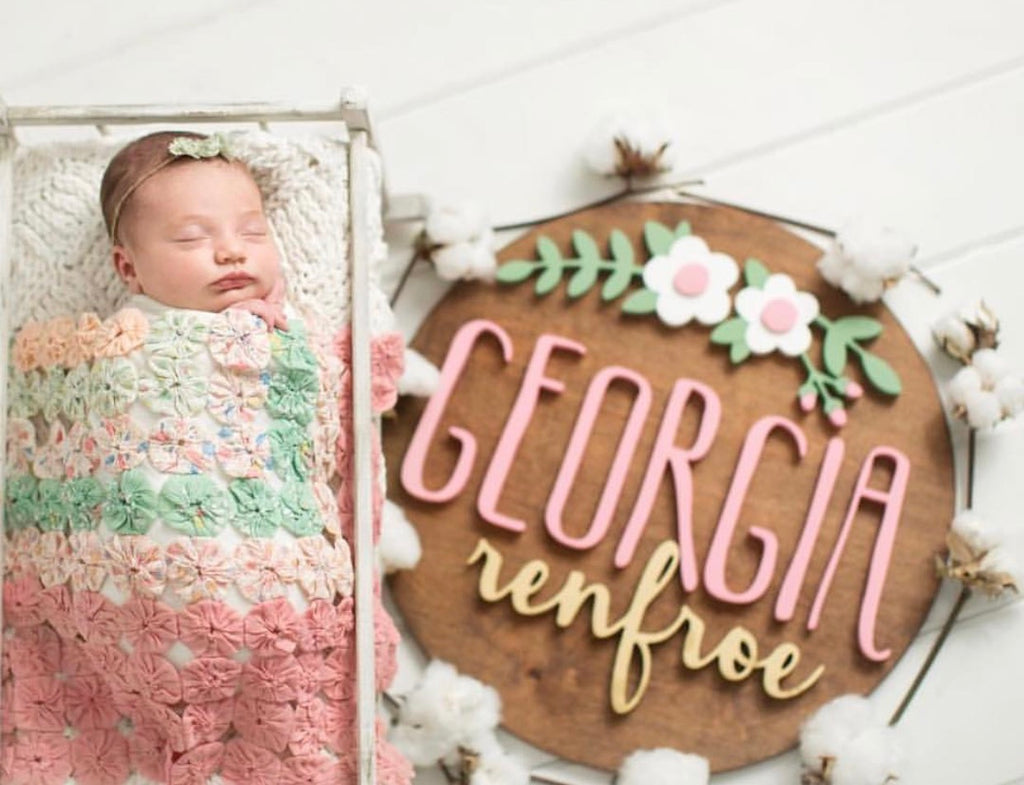 "18"" Floral Arch Round Name Sign"