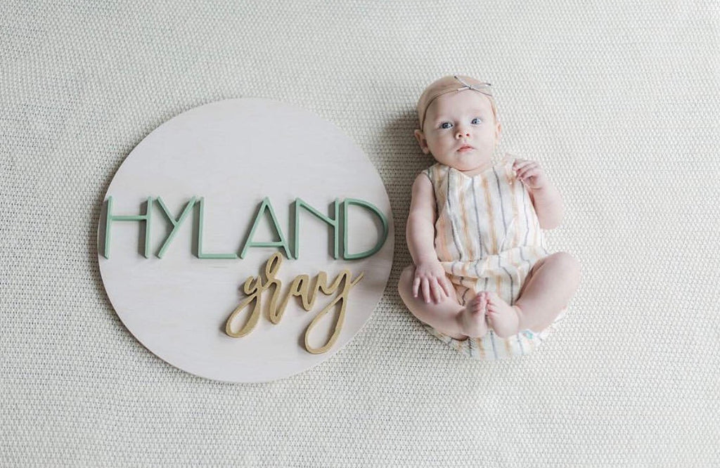 "18"" Round Name Sign"