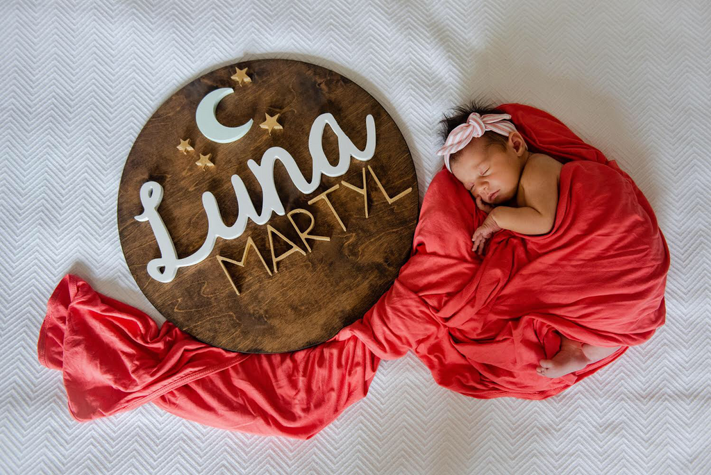 "18"" Moon and Stars Round Name Sign"
