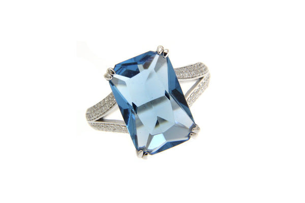 London Blue Cubic Zirconia Rectangle Cut Ring