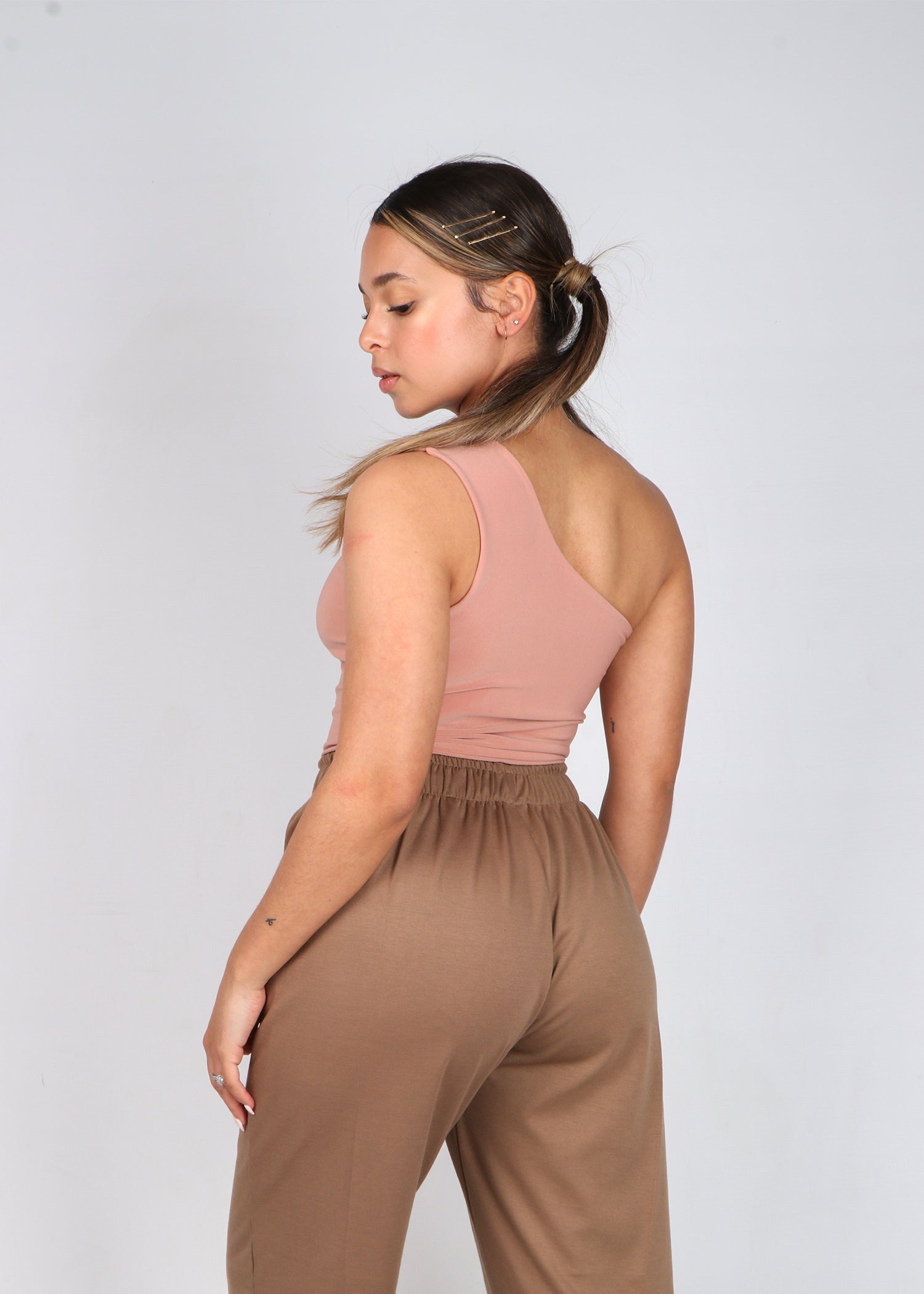 Blush One-shoulder Sling