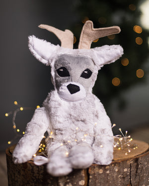 White Spotted Reindeer (Felix & Eve) Early Access