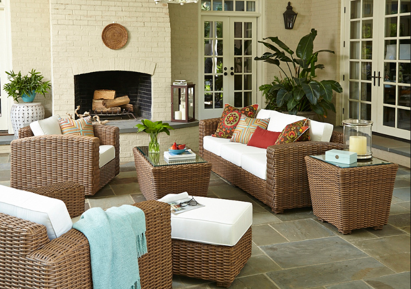 Creating Your Outdoor Family Room