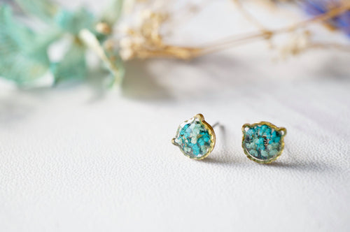 Real Dried Flowers and Resin Cat Stud Earrings in Mint Teal Mix