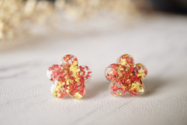 Real Dried Flowers and Resin Flower Shaped Stud Earrings in Yellow and Red