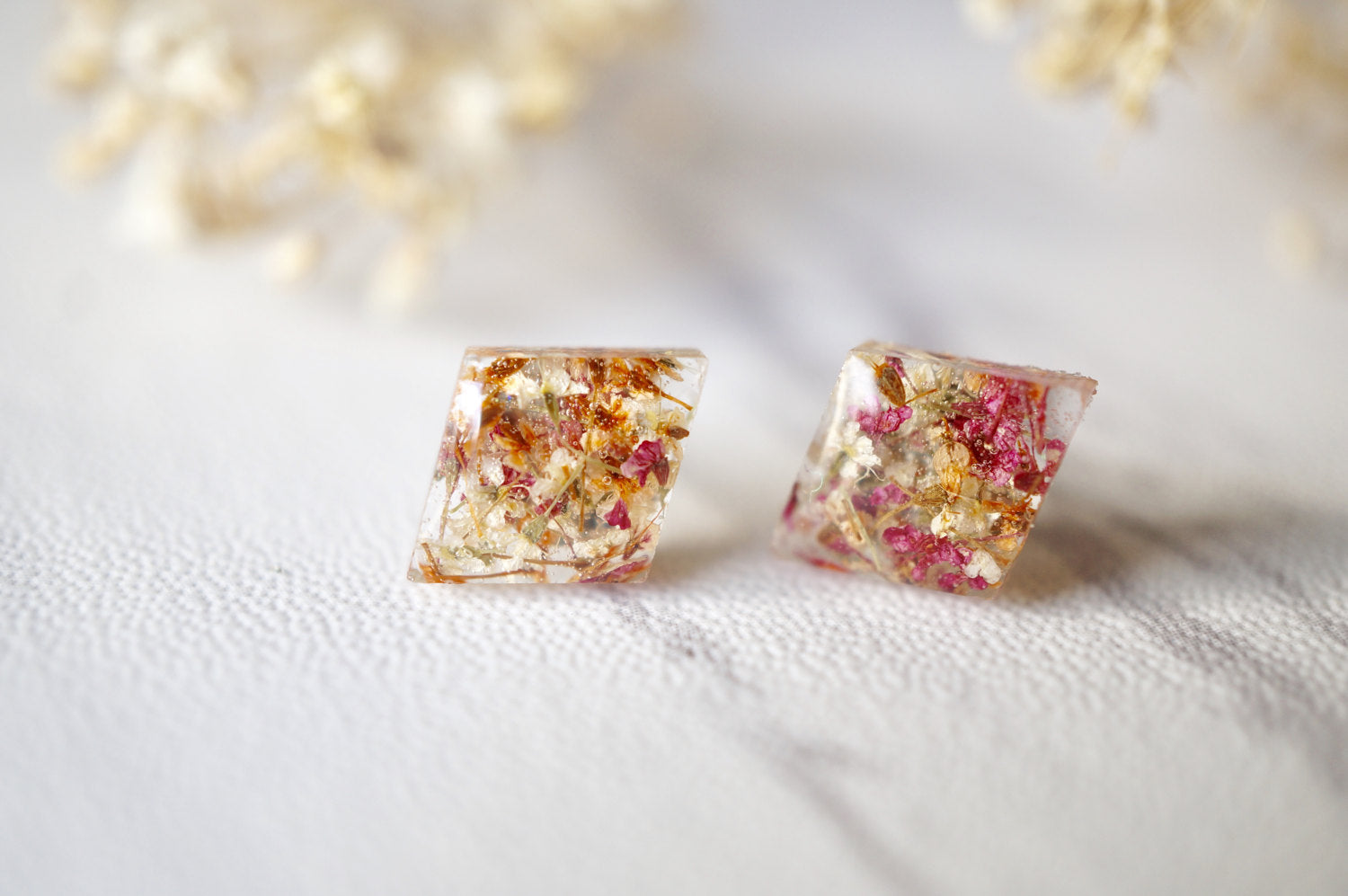 Real Dried Flowers and Resin Diamond Stud Earrings in Orange Rose White