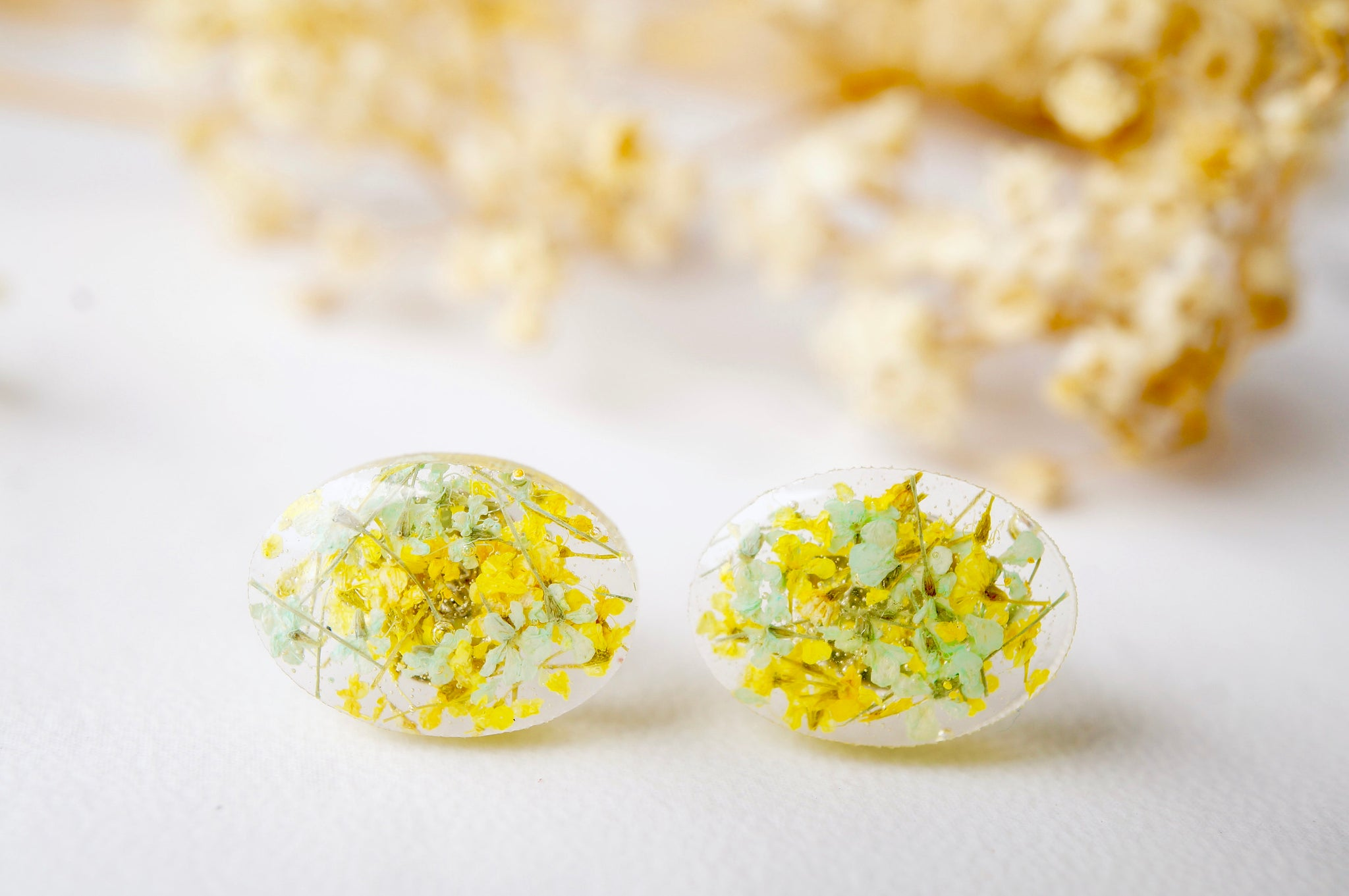 Real Dried Flowers and Resin Oval Stud Earrings in Yellow and Mint