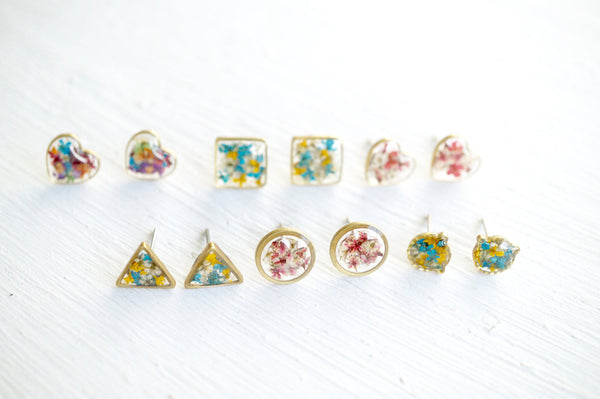 Real Dried Flowers and Resin Triangle Stud Earrings in Baby Blue Magenta White