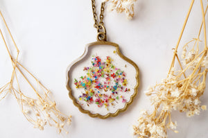 Real Dried Flowers in Resin, Seashell Necklace in Party Mix