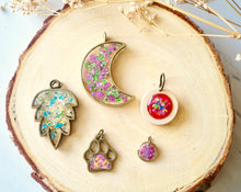 Real Dried Flowers in Resin Necklace, Dog Paw in Pink Yellow White
