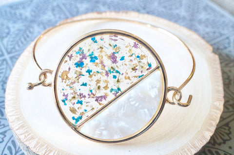 Real Dried Flowers and Resin Bracelet in Blue Purple White and Gold