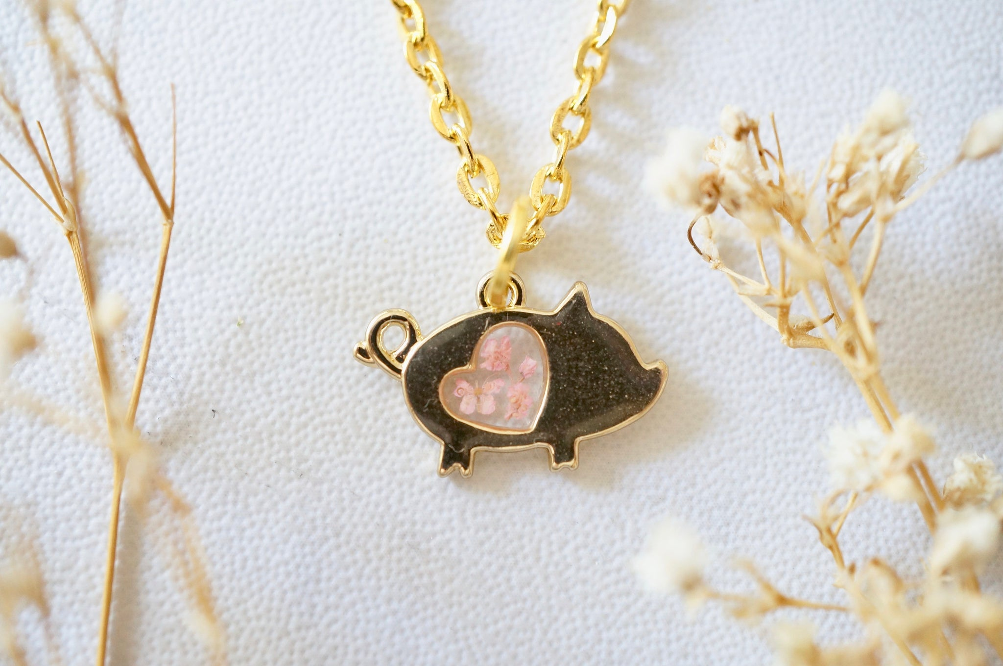 Real Pressed Flowers in Resin, Gold Pig Necklace in Light Pink