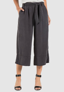 Wide Legged Cropped Pants