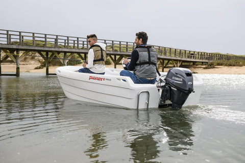 Yamaha 15hp 4-Stroke Outboard Engine with Long Shaft, Remote Control, Power Tilt & Electric Start
