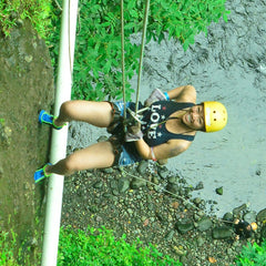 Costa Rica Go Adventure Repelling