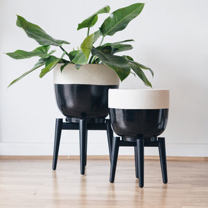 Black & White speckle plant stand