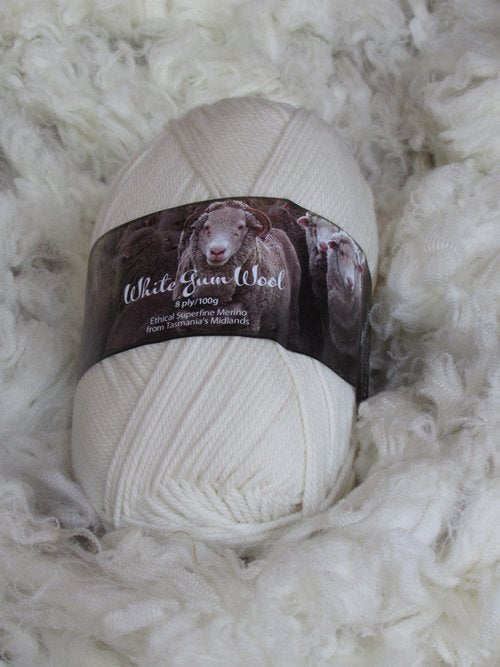 White Gum Wool 8Ply Natural