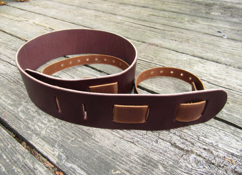 Basic American made bridle leather banjo strap.