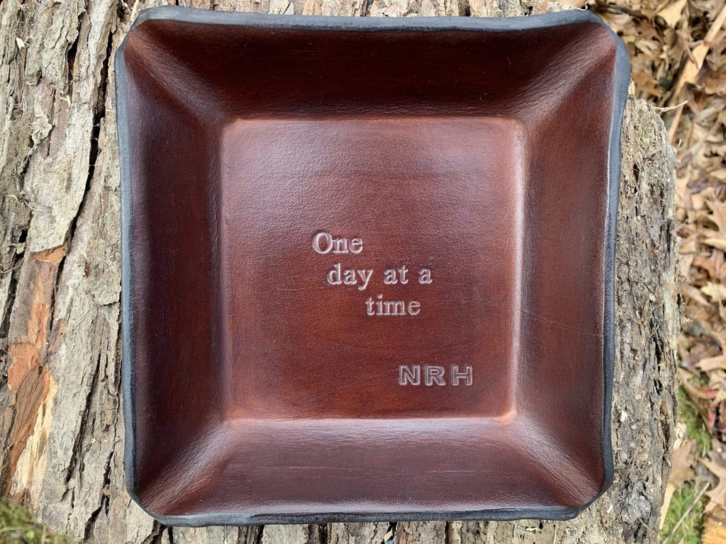 Sobriety gift. Leather tray with monogram.
