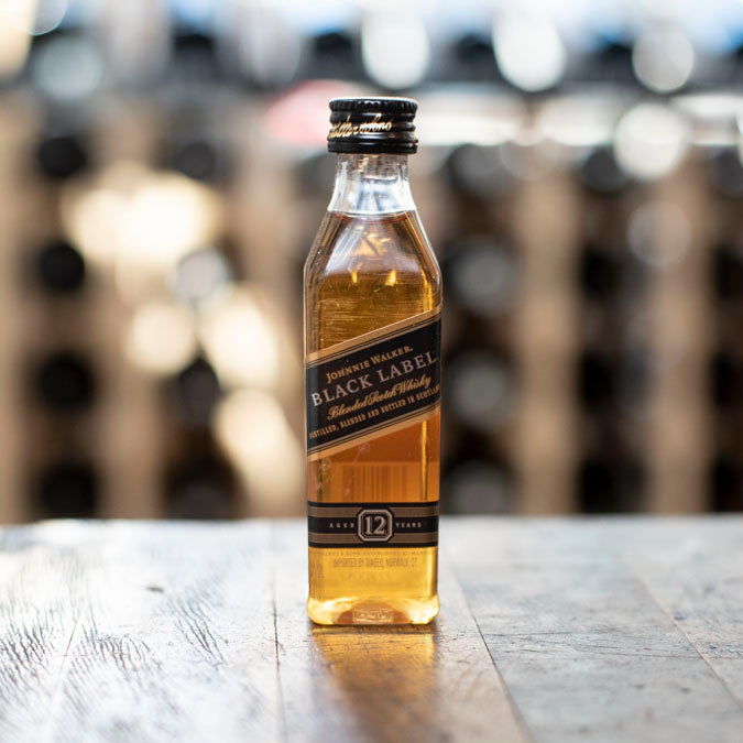 JOHNNIE WALKER BLACK LABEL BLENDED SCOTCH WHISKY 50ML