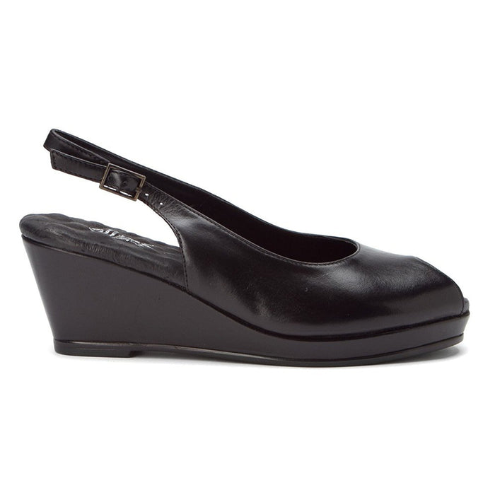 Walking Cradles Women's Natasha Pump