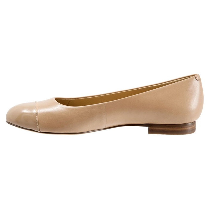 Trotters Women's Chic Flat