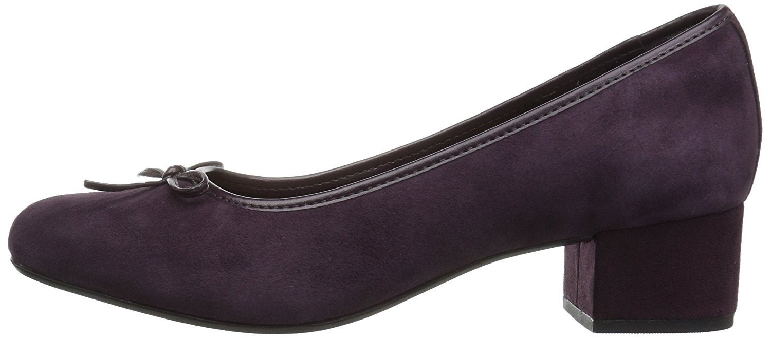 CLARKS Women's Chartli Daisy Dress Pump