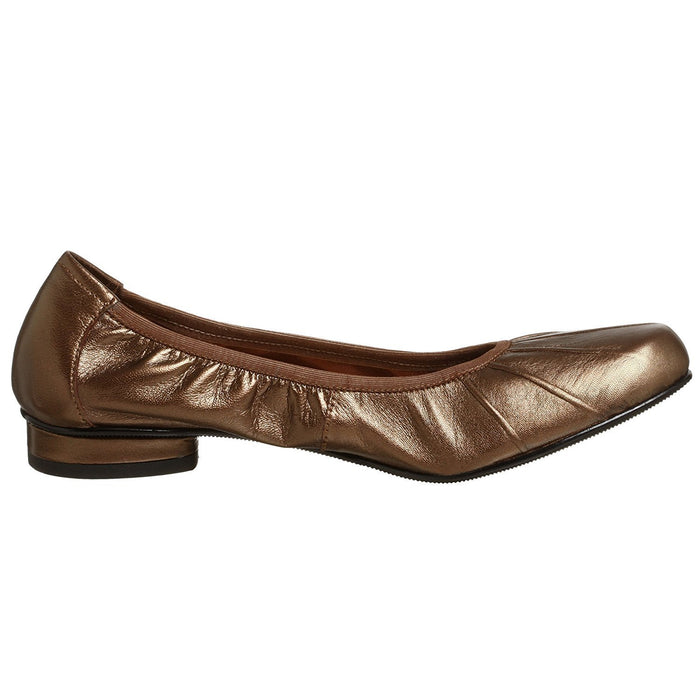 Ros Hommerson Women's Ailis Pleated Flat