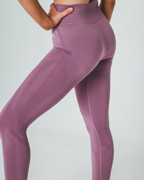 AWAKE SEAMLESS SV2 LEGGINGS | PINK - Dark Apparel