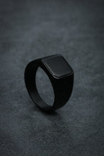 Load image into Gallery viewer, Héjar Classic Black Ring