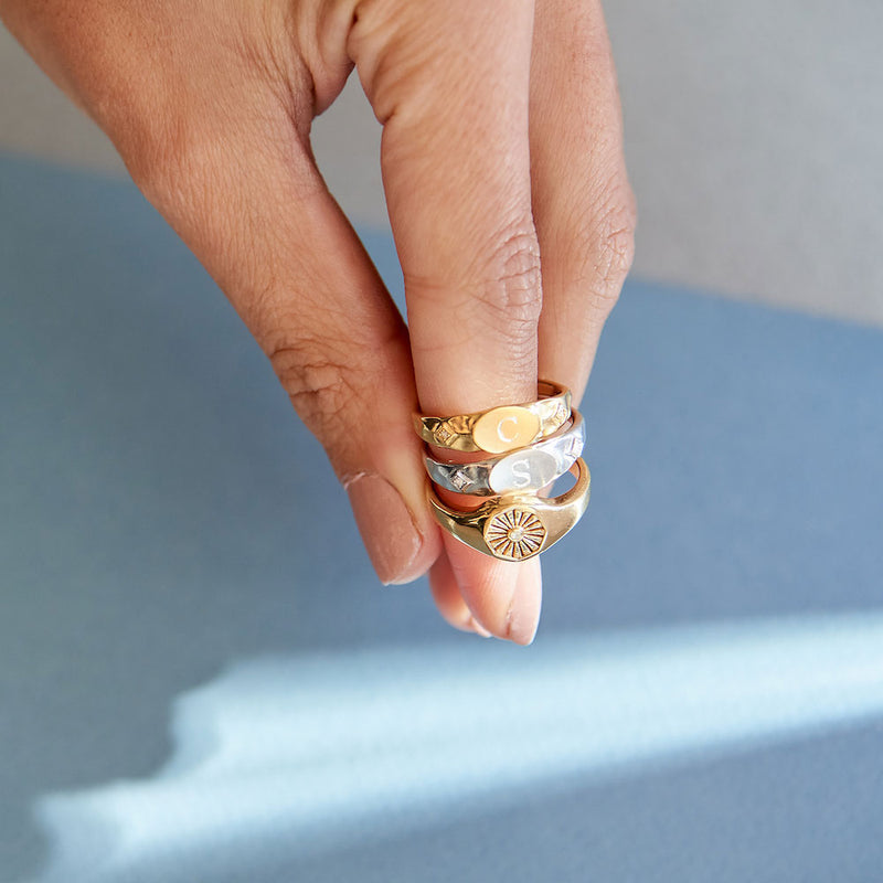 Inthefrow Comet Signet Ring - Gold
