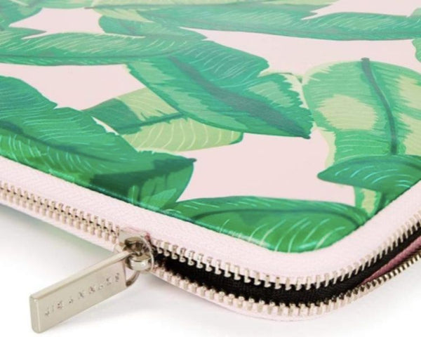 Skinnydip banana palm - laptop sleeve
