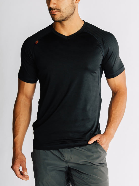 RHONE Sentry Cross-Training Workout V-Neck Tee Men's Short Sleeve T-Shirt Black - Activemen Clothing
