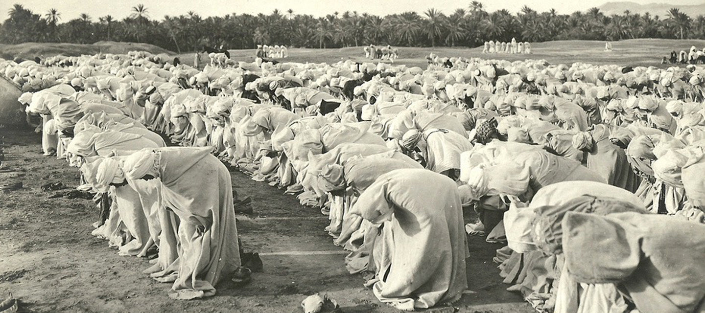 Prayer in the Sahara, Algeria, during the Eid al Fitr celebration after Ramadan, 1800's.
