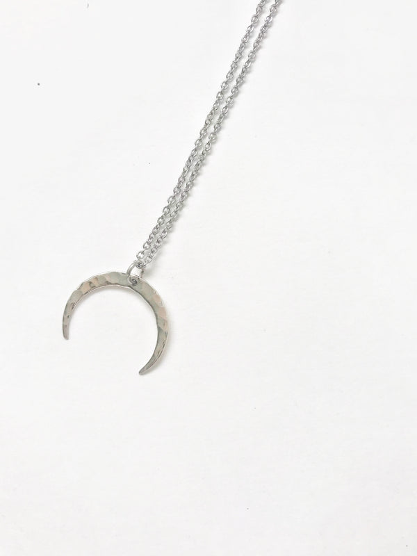 Silver Textured Horn Silver Necklace - LoobanysJewelry