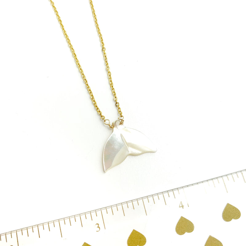Mother of Pearl Tail Necklace - LoobanysJewelry