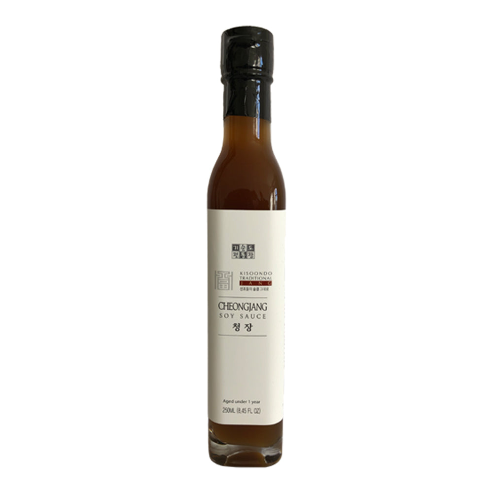 Kisoondo 'Cheongjang' White Soy Sauce white background