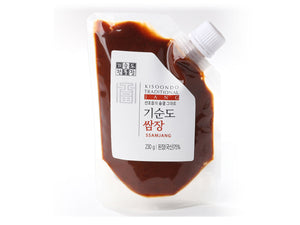 ssamjang sauce plain white background 4x3