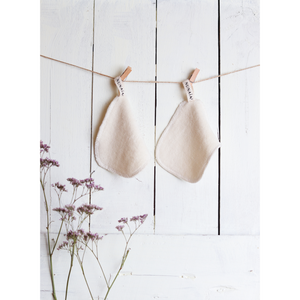 Nunaia Facial Cleansing Ovals hanging to dry Image