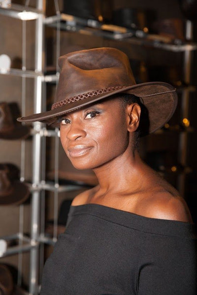 adina porter wearing her crusher outback leather hat