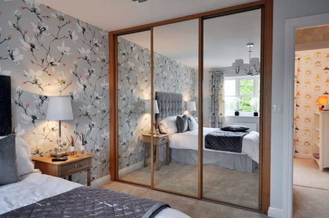 Made to measure sliding wardrobe doors and mirrors. Del FOC