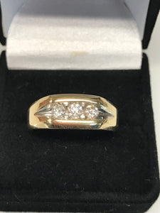 Men's 14K Yellow Gold Diamond Wedding Band