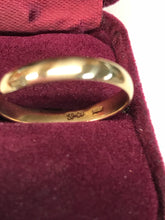 14K Yellow Gold Unisex Wedding Band
