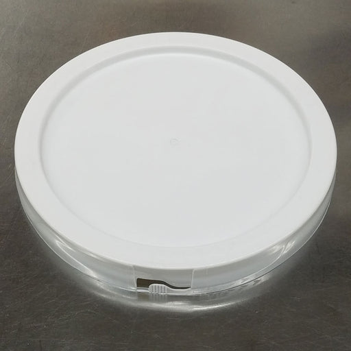 1 Gallon Food Grade Bucket Lid with Grommet for homebrew, winemaking, mead and cider