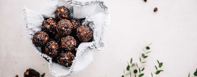 ENERGY BALLS WITH DRIED WILD BLUEBERRIES