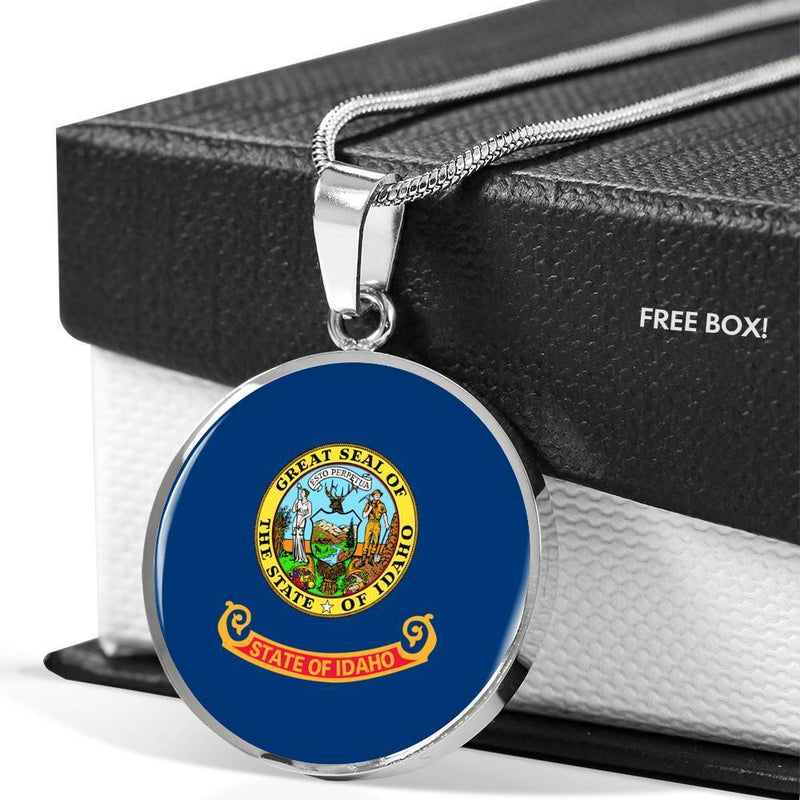 "Express Your Love Gifts Idaho State Flag Circle Pendant Stainless Steel or 18k Gold Finish Necklace Adjustable 18""-22"""